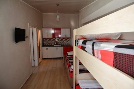 5 yataklı 1+1 üst oda mutfak